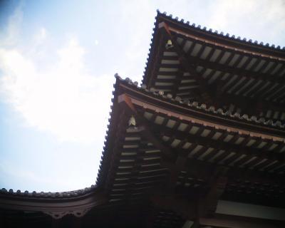 増上寺と上弦の月:R2