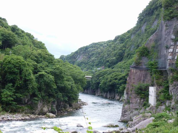綾戸の渓谷