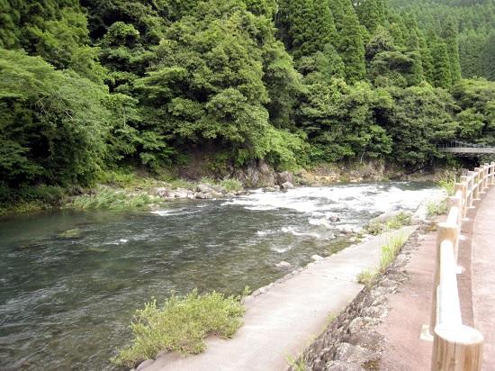 川原川・道の駅前-1