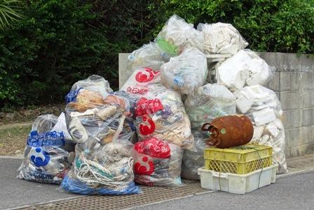 11月11日浜のゴミ回収