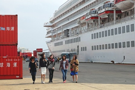 観光に出る乗客