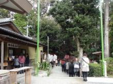 14:43 神明神社 (石神さん)は、行列