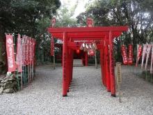 14:44 三吉稲荷大明神・・・神明神社の境内にはこちらもあります