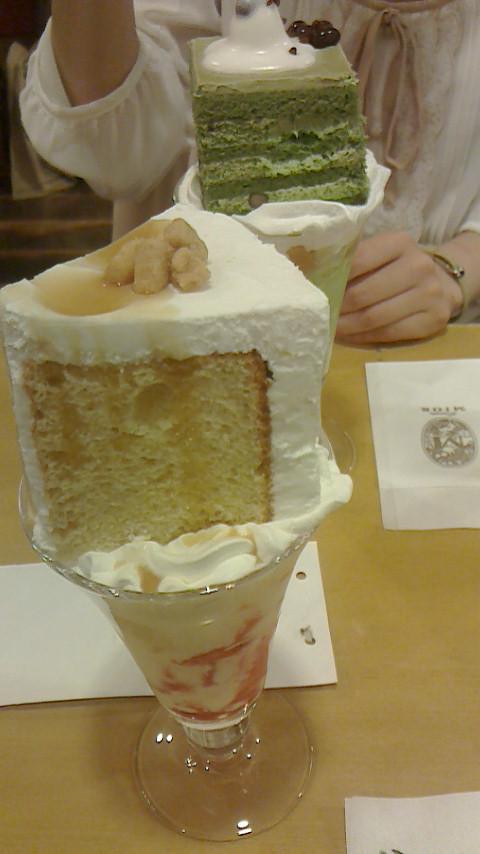 ミオールケーキパフェ