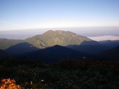 八海山に駒の影