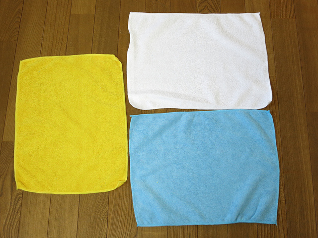 AmazonBasics_Microfiber_Cleaning_Cloth_05.jpg