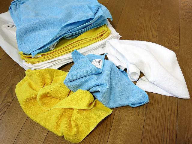 AmazonBasics_Microfiber_Cleaning_Cloth_09.jpg