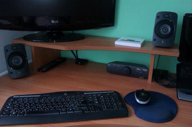 Desktop_Logitech2_02-.jpg