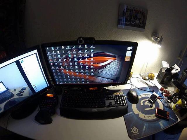 Desktop_Logitech2_73.jpg
