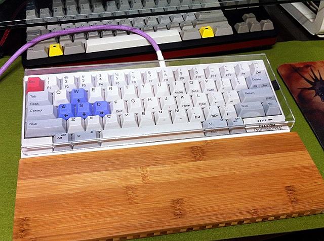 Mechanical_Keyboard_Palmrest_02.jpg