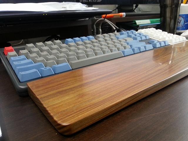 Mechanical_Keyboard_Palmrest_04.jpg