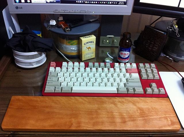 Mechanical_Keyboard_Palmrest_05.jpg