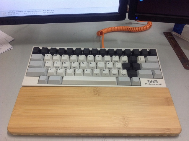Mechanical_Keyboard_Palmrest_08.jpg