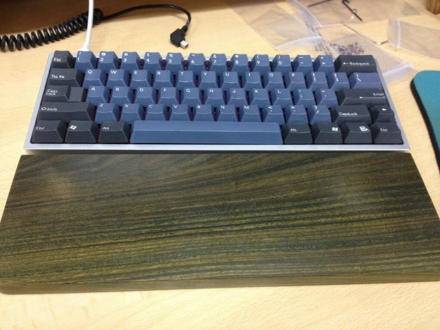 Mechanical_Keyboard_Palmrest_16.jpg