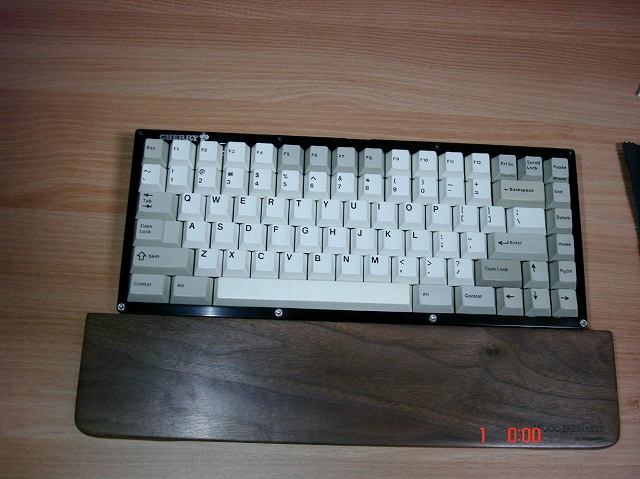Mechanical_Keyboard_Palmrest_17.jpg