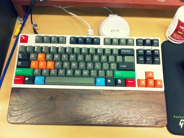 Mechanical_Keyboard_Palmrest_18.jpg