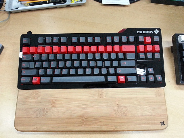 Mechanical_Keyboard_Palmrest_27.jpg