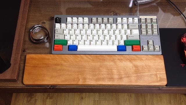 Mechanical_Keyboard_Palmrest_41.jpg