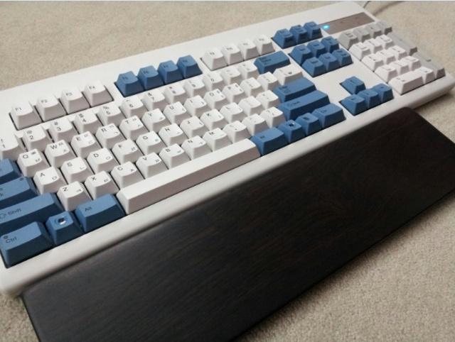 Mechanical_Keyboard_Palmrest_42.jpg