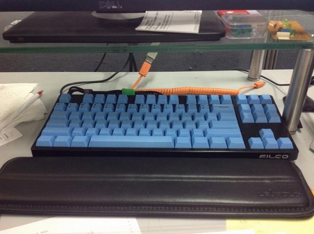 Mechanical_Keyboard_Palmrest_49.jpg