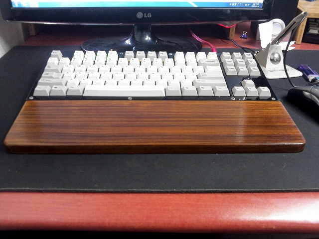Mechanical_Keyboard_Palmrest_57.jpg