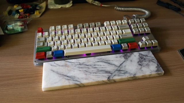 Mechanical_Keyboard_Palmrest_64.jpg