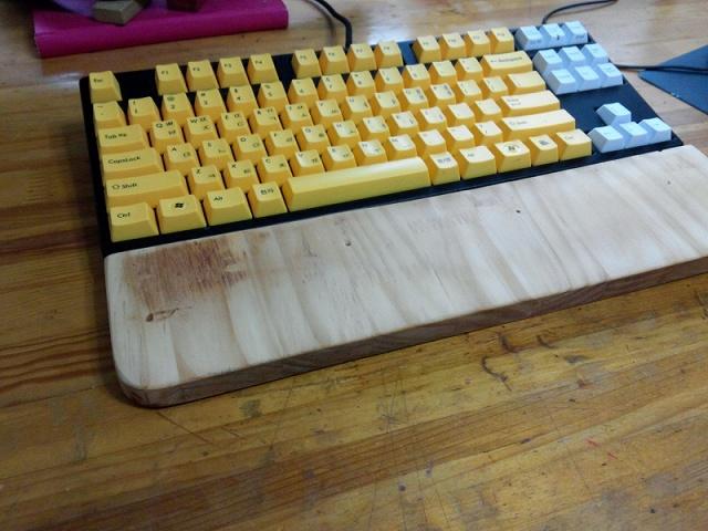 Mechanical_Keyboard_Palmrest_65.jpg