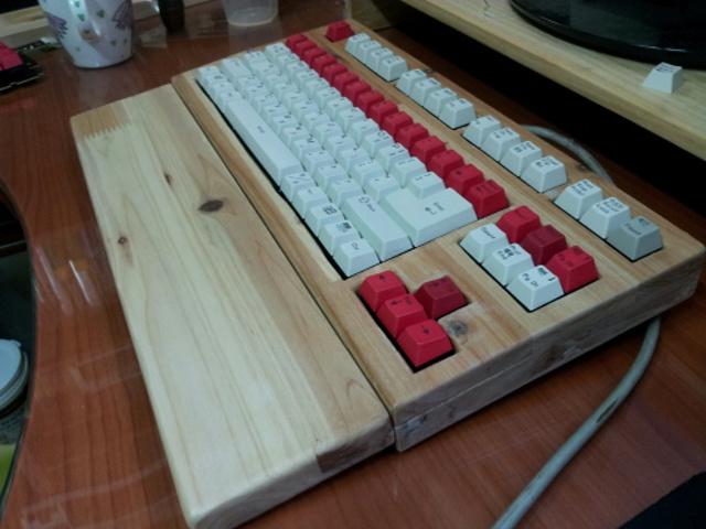 Mechanical_Keyboard_Palmrest_66.jpg
