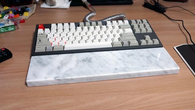 Mechanical_Keyboard_Palmrest_68.jpg