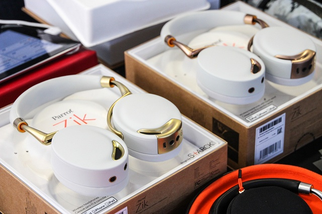 Parrot_Zik_Gold_Collection_01.jpg