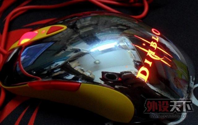SteelSeries_DiabloIII_Mouse_15.jpg