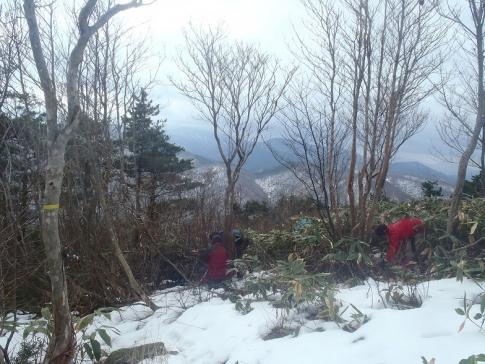 高岳山頂整備ボランテイア 006-001