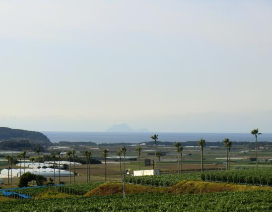 硫黄島遠望