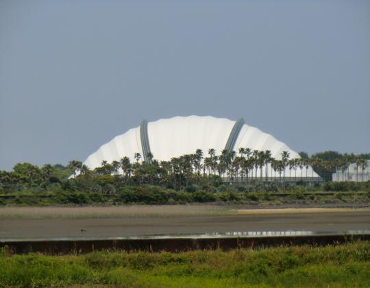 ドーム型の建物