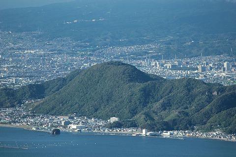 800px-Mount_Tokura_20120730.jpg