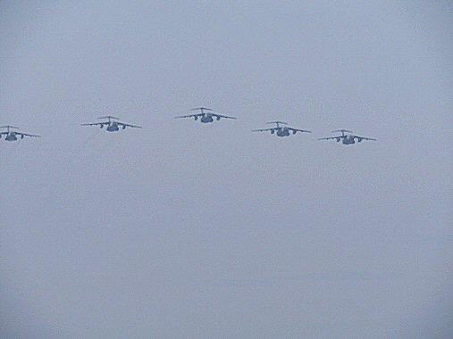 5台飛行機前からPB030120