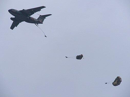 パラシュート+飛行機PB030159