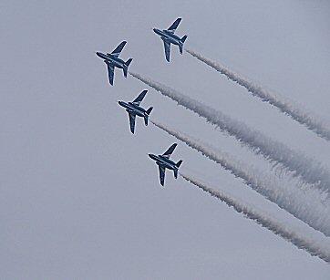 ブルー4機PB030178