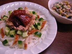 マグロの漬けとツナマヨちらし寿司 001