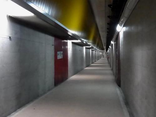 新潟みなとトンネル歩道