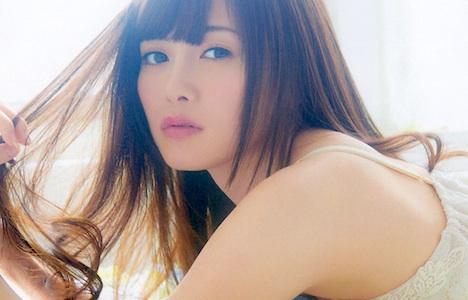 美しすぎるアイドル、乃木坂46の白石麻衣ヌードになる