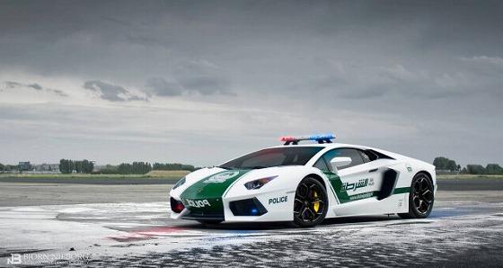 Lamborghini-Aventador-Police-Car-640x341.jpg