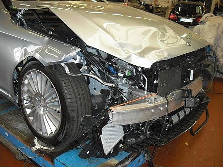 world-s-first-crashed-w222-s-class-is-up-for-sale-photo-gallery-medium_2.jpg