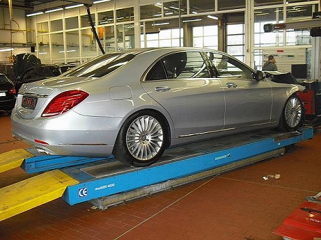 world-s-first-crashed-w222-s-class-is-up-for-sale-photo-gallery-medium_6.jpg