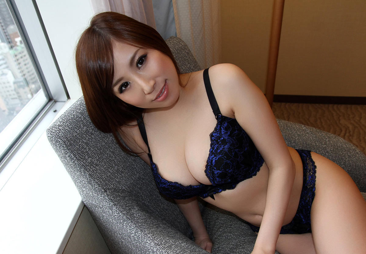 【No.18818】 谷間 / 北川エリカ