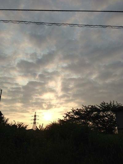 夏、休日の朝。