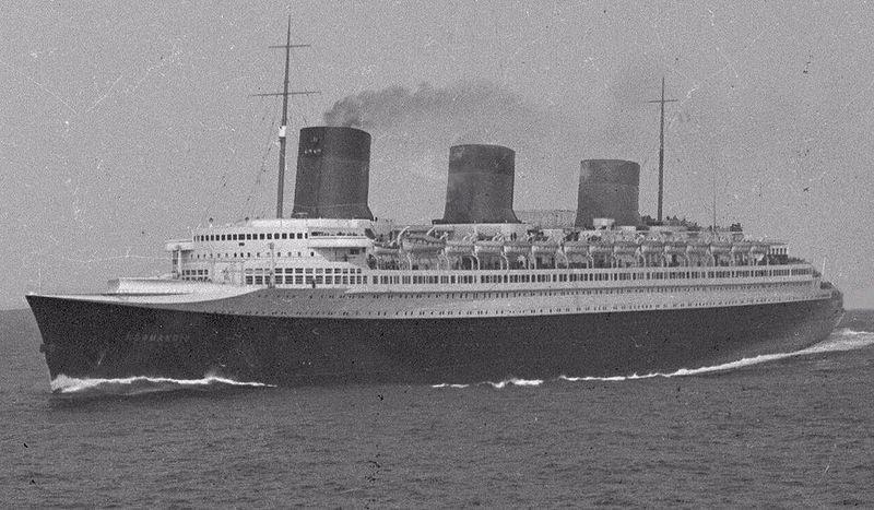 800px-SS_Normandie_at_sea_01.jpg
