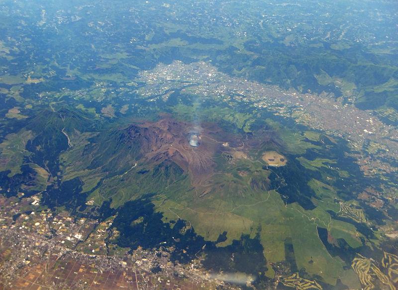阿蘇山で8月下旬から火山性地震や微動が増加…火口の熱活動も活発
