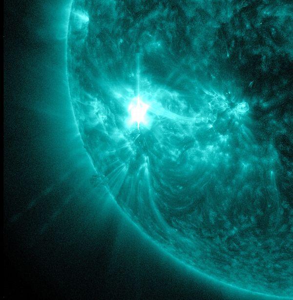 先月、現れた太陽の巨大黒点群が今月13日再び姿を現す…地球66個が入ってしまう程の大きさだった