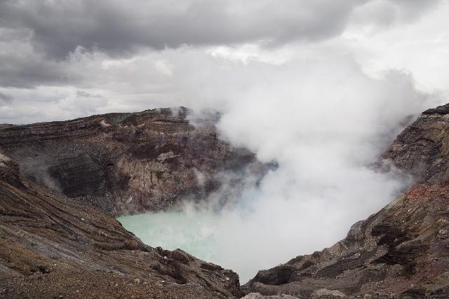 【阿蘇山噴火】マグマせり上がり山体膨張!大爆発寸前か?
